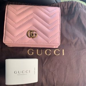 GUCCI Marmont Pink Wallet